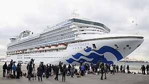 Japonya'da karantinaya alınan gemideki 2 kişi Kovid-19 nedeniyle öldü