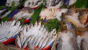 Karadeniz soğudu, balık tezgahları çeşitlendi