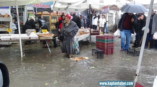 Lodos ve aşırı yağış su baskınlarına sebep oldu
