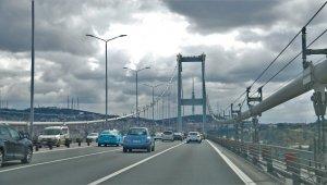 """İstanbul trafiğine """"korona virüs"""" etkisi drone ile görüntülendi"""