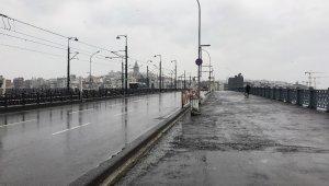 Yasağa uyan İstanbullular evde kaldı