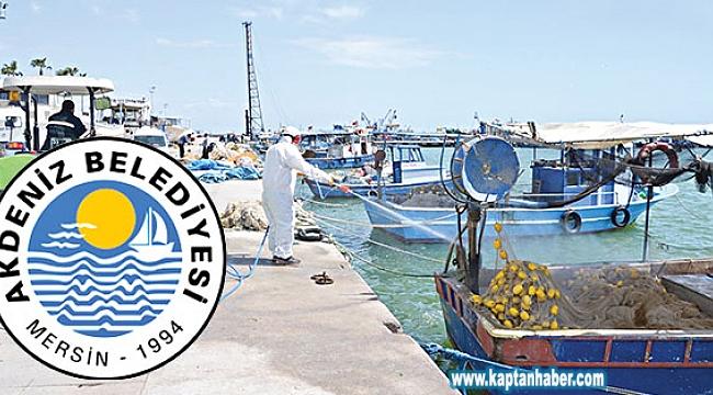 Akdeniz Belediyesi Balıkçı Teknelerini İlaçlattı