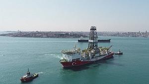 Haydarpaşa Limanı'na yanaşan Fatih sondaj gemisi havadan görüntülendi