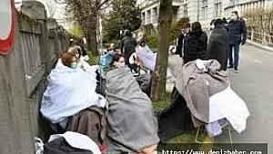 İtalya'da hastalar sokaklarda yatırılırken, cenazeler koridorlarda birikti