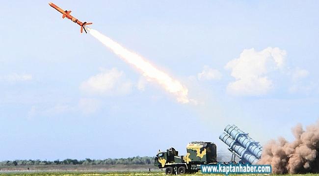 Karadeniz kıyısında gövde gösterisi: 300 kilometre menzilli gemi savar füzesi ateşlendi