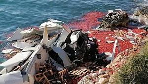 Mersin'de TIR denize düştü: 1 ölü