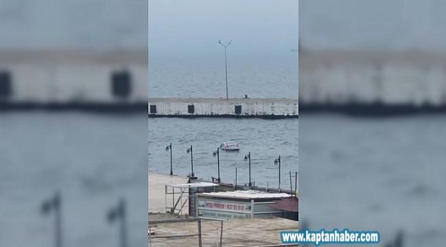 Sinop'ta denize düşen otomobilin sürücüsü kendi imkanlarıyla sudan çıktı