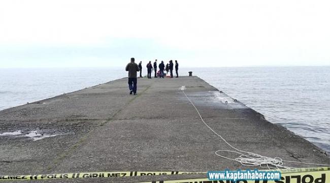 Vücuduna ağırlık bağladı, denize atlayarak intihar etti