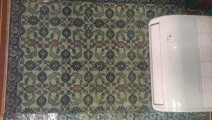 18. yüzyıldan kalma çalıntı çiniler, Üsküdar'daki 521 yıllık tarihi camiye teslim edildi