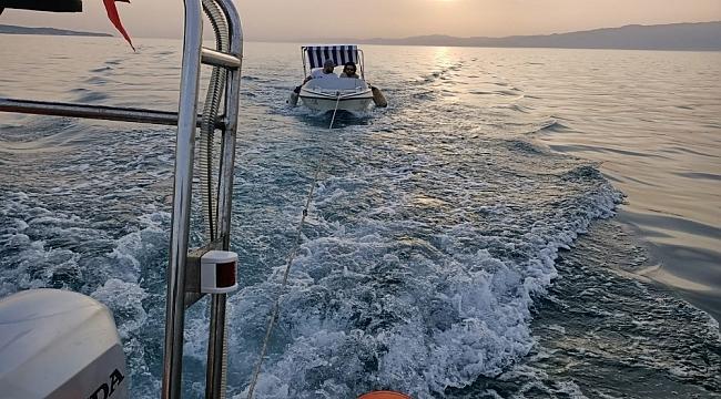 Balıkesir açıklarında 2 kişi Sahil Güvenlik tarafından kurtarıldı