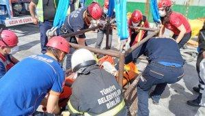 Çanakkale'de gemi ambarına düşen gemi adamı yaralandı