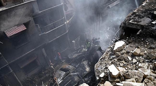Pakistan'da düşen uçakta ölü sayısı 76'ya yükseldi