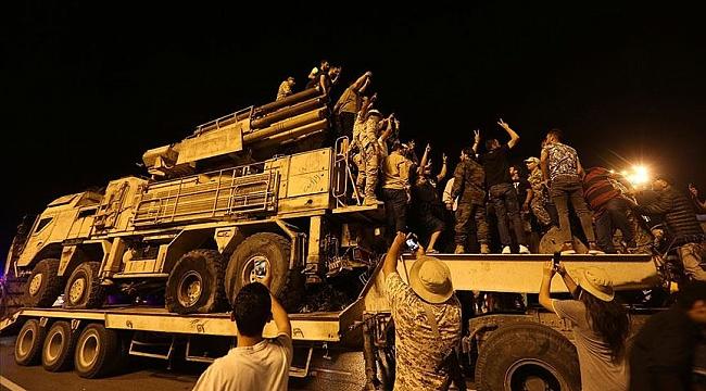 Vatiyye Askeri Üssü'nde imha edilen Pantsir Trablus'ta sergilendi