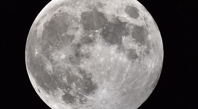 Ahlat'ta parçalı ay tutulması kendine hayran bıraktı