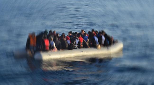 Ayvalık açıklarında 35 düzensiz göçmen kurtarıldı