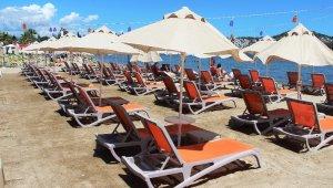 Bodrum'da sahiller boş kalınca, şezlong ücretleri kalktı