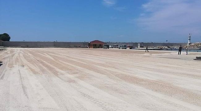 Cide'de liman içinin saha düzenlemesi yapıldı