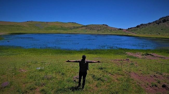 Elazığ'da kalp gölü, doğal güzelliği ile dikkat çekiyor