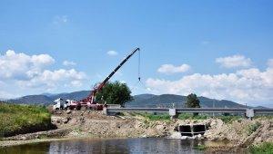 Karpuzlu Çayı üzerine inşa edilen 2 köprünün montajı tamamlandı
