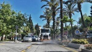 Kuşadası'nda 2 günde 648 turistik işletme dezenfekte edildi