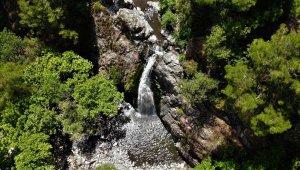 Manisa Türkmen Şelalesi doğa güzelliği ile hayran bırakıyor