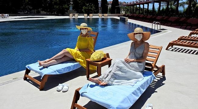 Ünlü tatil merkezi Çeşme'deki oteller sağlıklı tatil için hazır