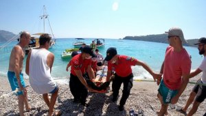 Denize düşen paraşüt pilotu ağır yaralandı