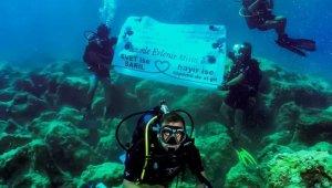 Kaş'ta su altında evlilik teklifi