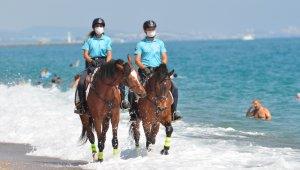 Manavgat sahilleri atlı jandarma timlerine emanet