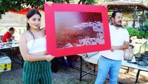 Şarkıcı Bora Gencer ünlü ressamın tablosunu almak için ter döktü