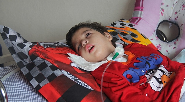 Tekne faciasından kurtulan 8 yaşındaki Veysel 3 yıl süren yaşam savaşına yenik düştü
