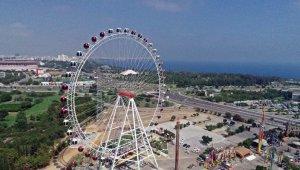 Türkiye'nin en büyük dönme dolabı, Lunapark izniyle birlikte kapılarını açtı