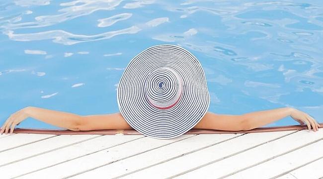Havuz suları el ayak ağız hastalığının bulaşma riskini artırıyor