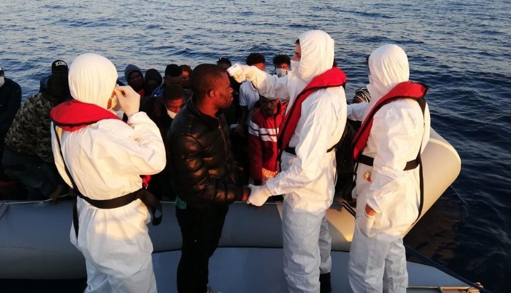 İzmir'de 68 düzensiz göçmen kurtarıldı