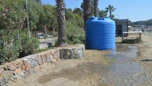 Kuşadası Kuştur Plajı'nda belediyeye ait su deposu ve üniteler tahrip edildi