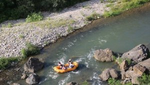 Melet Irmağı'nda rafting turu