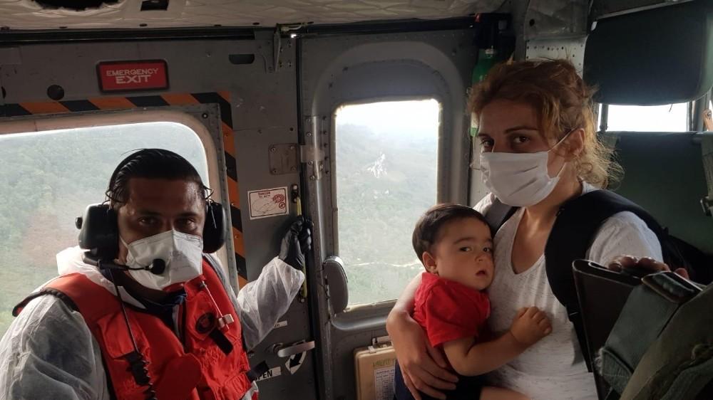 Sahil Güvenlik helikopteri Yunus bebek için havalandı