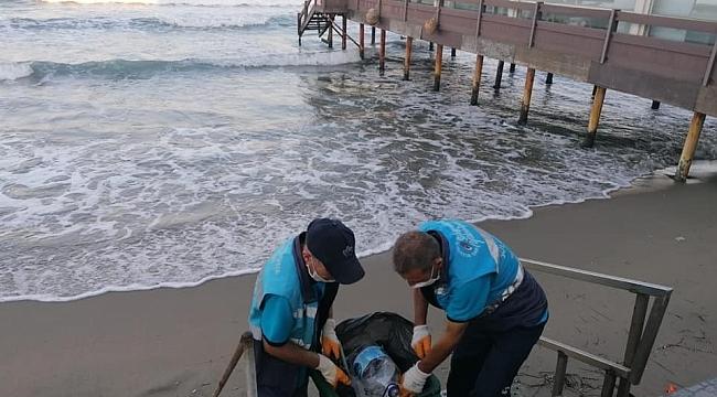Sahil şeritlerinde temizlik çalışmaları hız kesmeden sürüyor