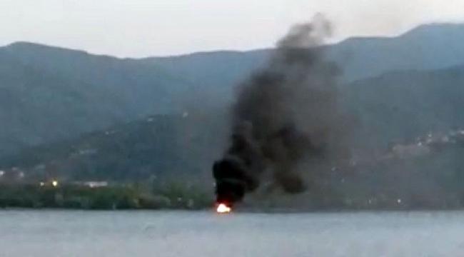 Sapanca Gölü'nde tekne yangını