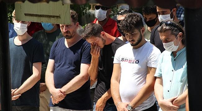 Tekne faciasında hayatını kaybeden anne ve 2 çocuğuna en acı veda