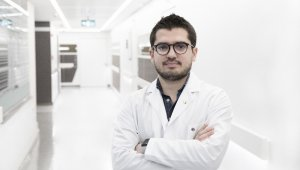 """Uzm. Dr. Onur Çapkan: """"Yaş aldıkça vücudumuzda doğal kolajen üretimi azalır"""""""
