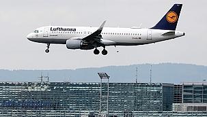 Alman havayolu şirketi Luftansa'da çöküş devam ediyor
