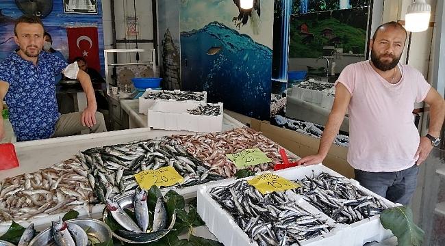 Balık alanda razı satan da