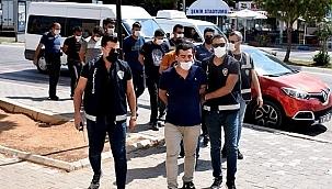 Çeşme'de 3 insan kaçakçısı tutuklandı