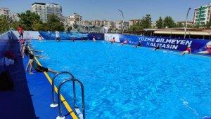 Estetik havuz yüzme eğitiminin merkezi oldu