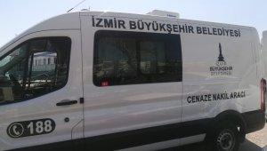 İzmir'de arabalı vapurdan denize atlayan şahsın cansız bedeni karaya vurdu