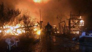 Marmaris'te balıkçı barınağında yangın