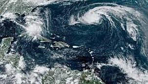 Paulette Kasırgası'nın Bermuda'yı vurması bekleniyor