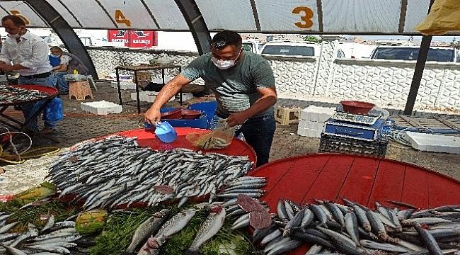 Şuhut'ta tezgahlar balıklarla şenlendi