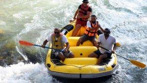 Tarsus Şelalesinde ilk kez rafting yapıldı